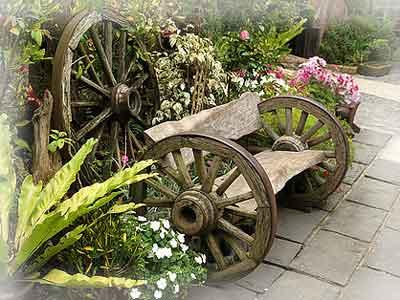 Виды садовых украшений.